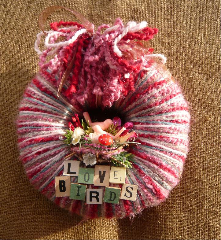 Love Birds Small Yarn Wreath
