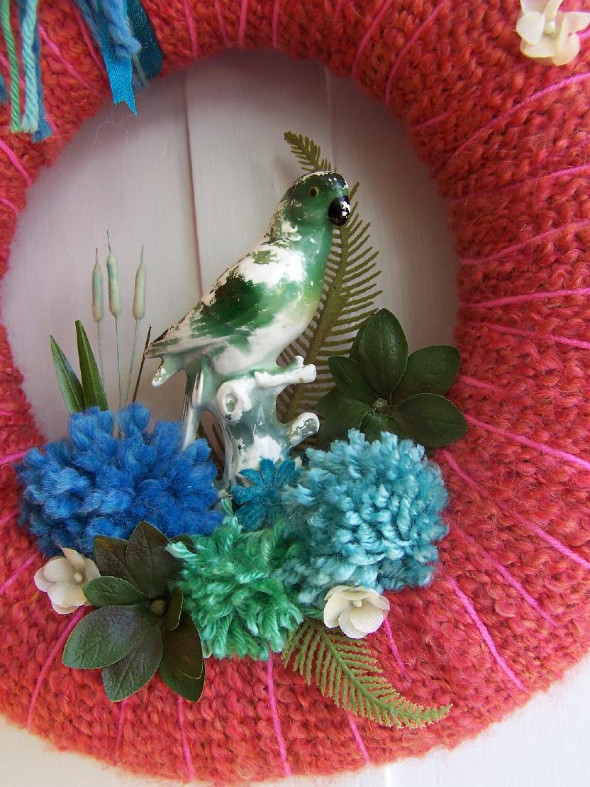 Parrot & Yarn Wreath, detail