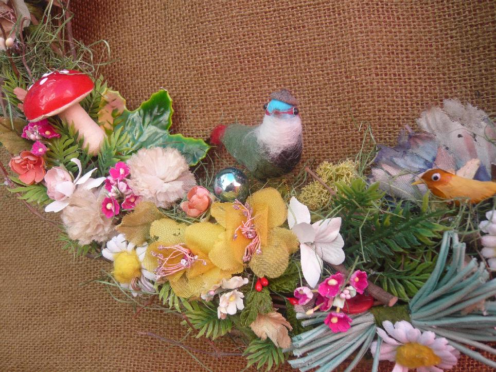 Twig & Millinery Bird Yarn Wreath, detail