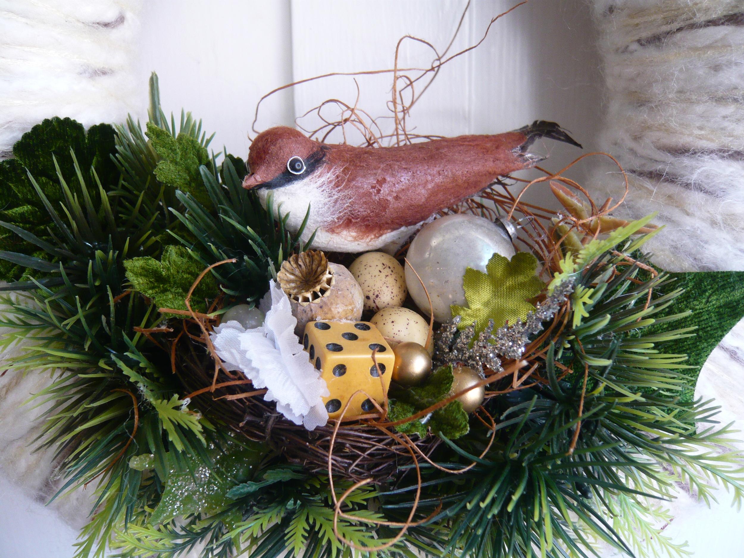 Woodland Nest Yarn Wreath, detail