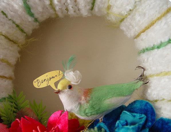 Bonjour Pretty Bird Yarn Wreath, detail