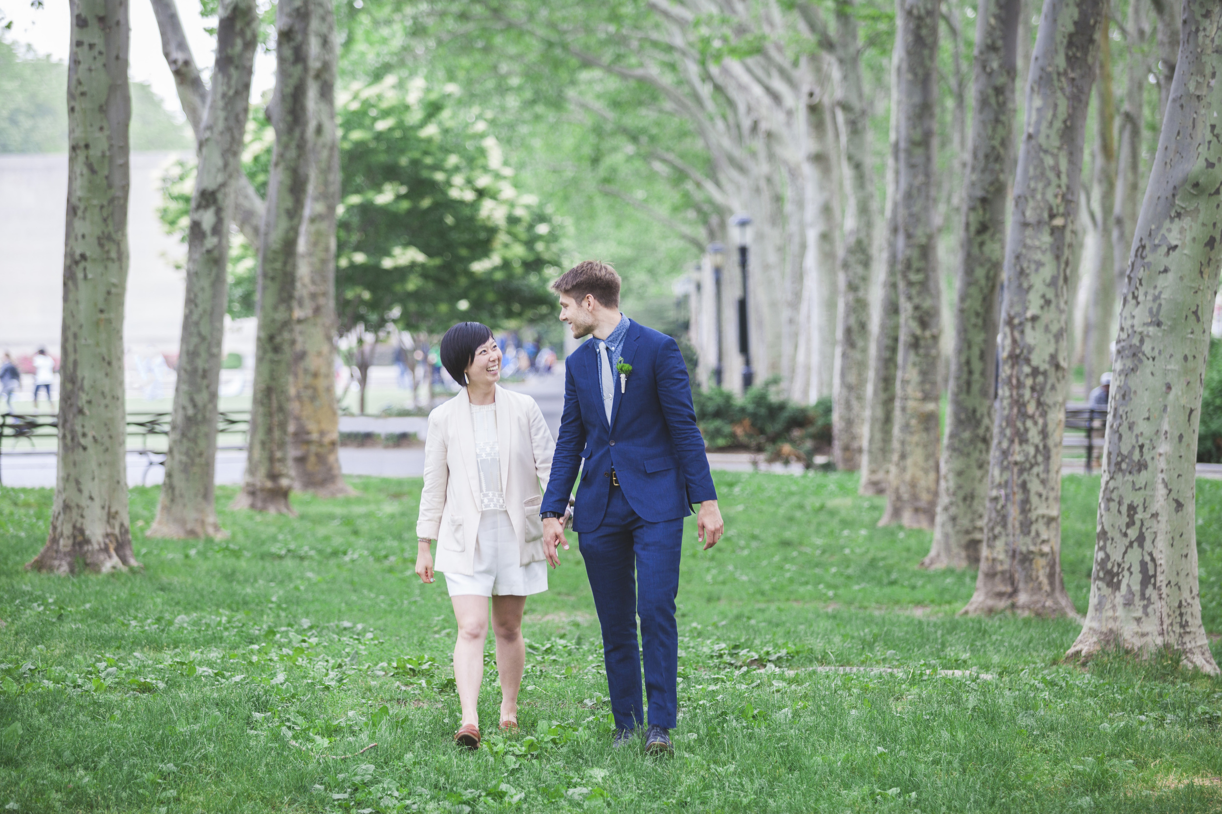 Walking over to the Brooklyn Bride through the park.