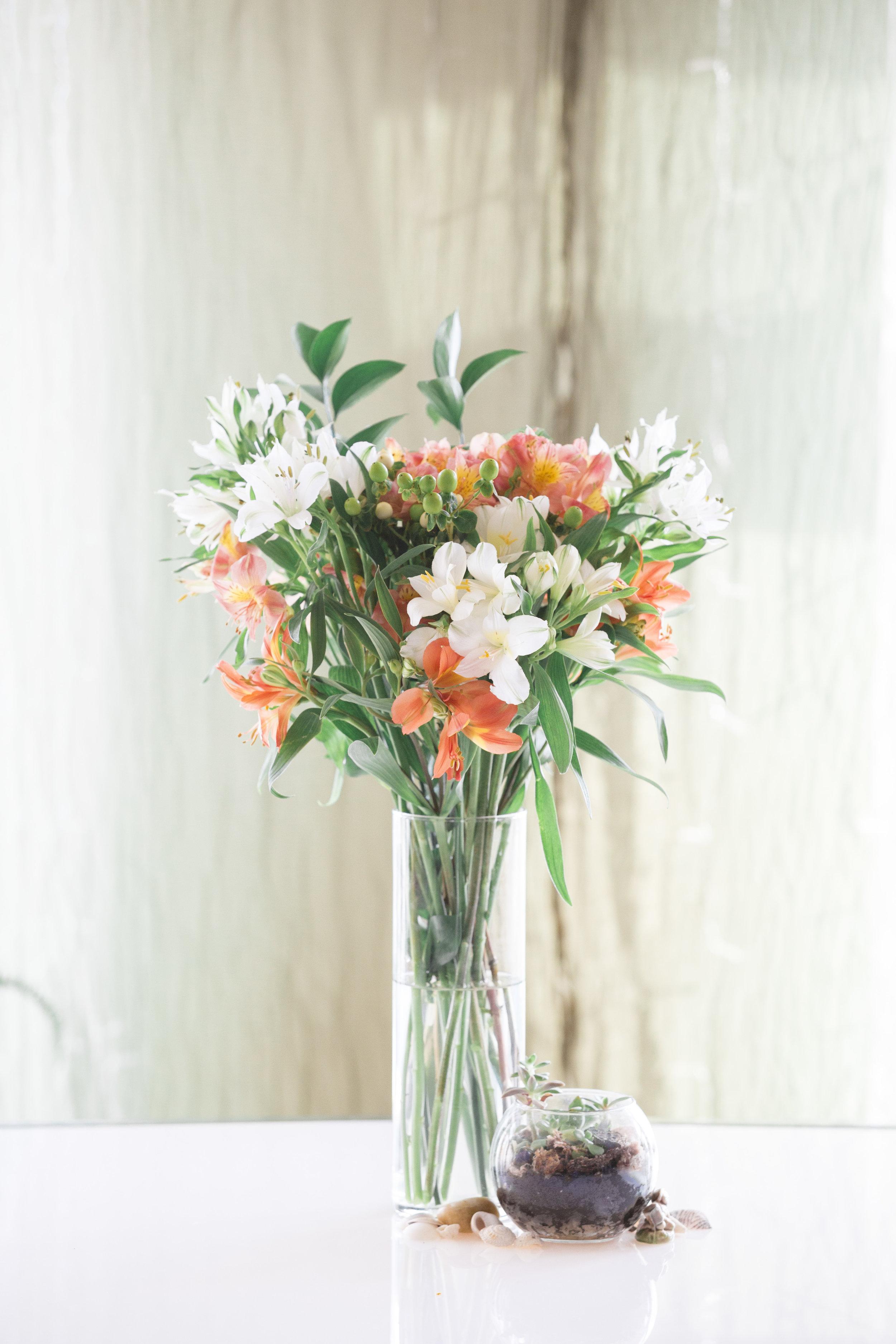 Wedding Flowers at the Toronto Argonaut Rowing Club