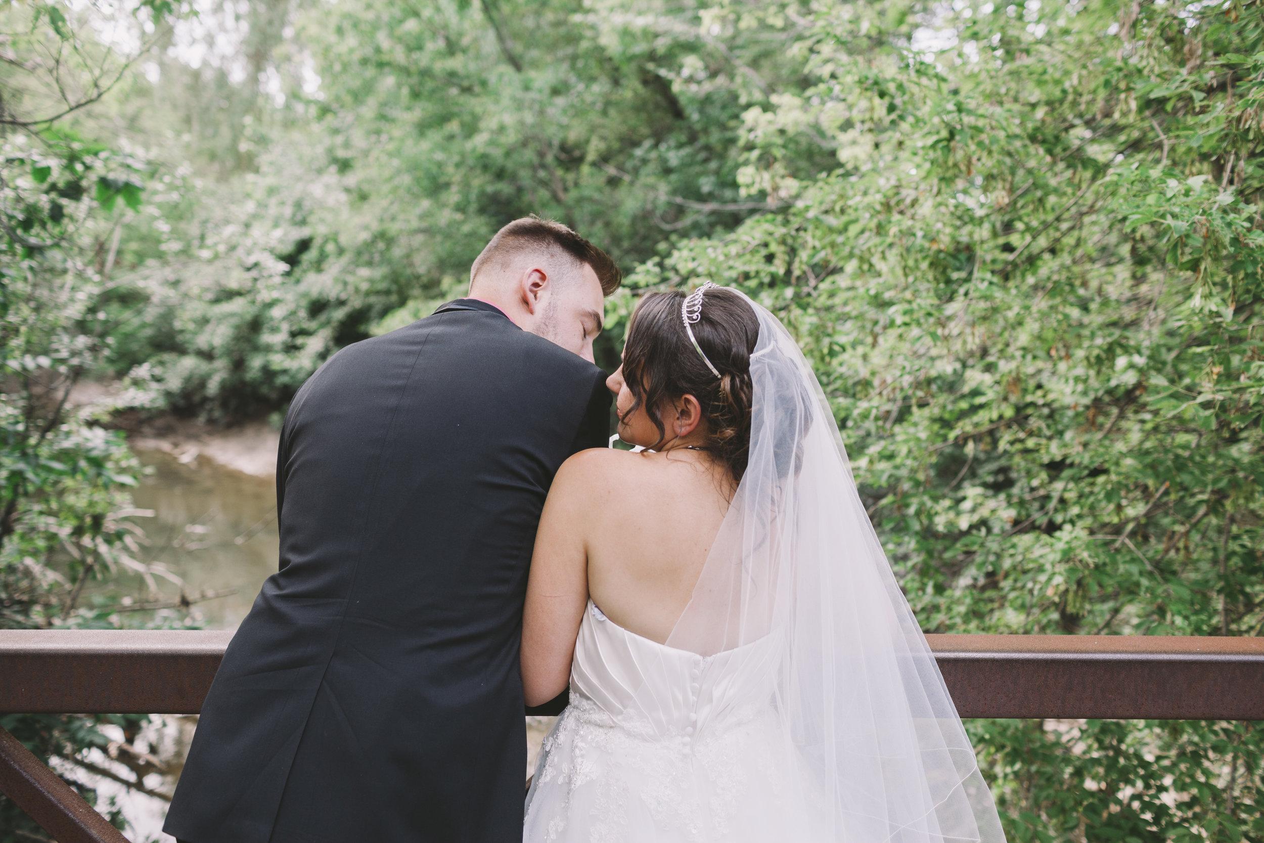 Wedding Couple at Glen Shields Park