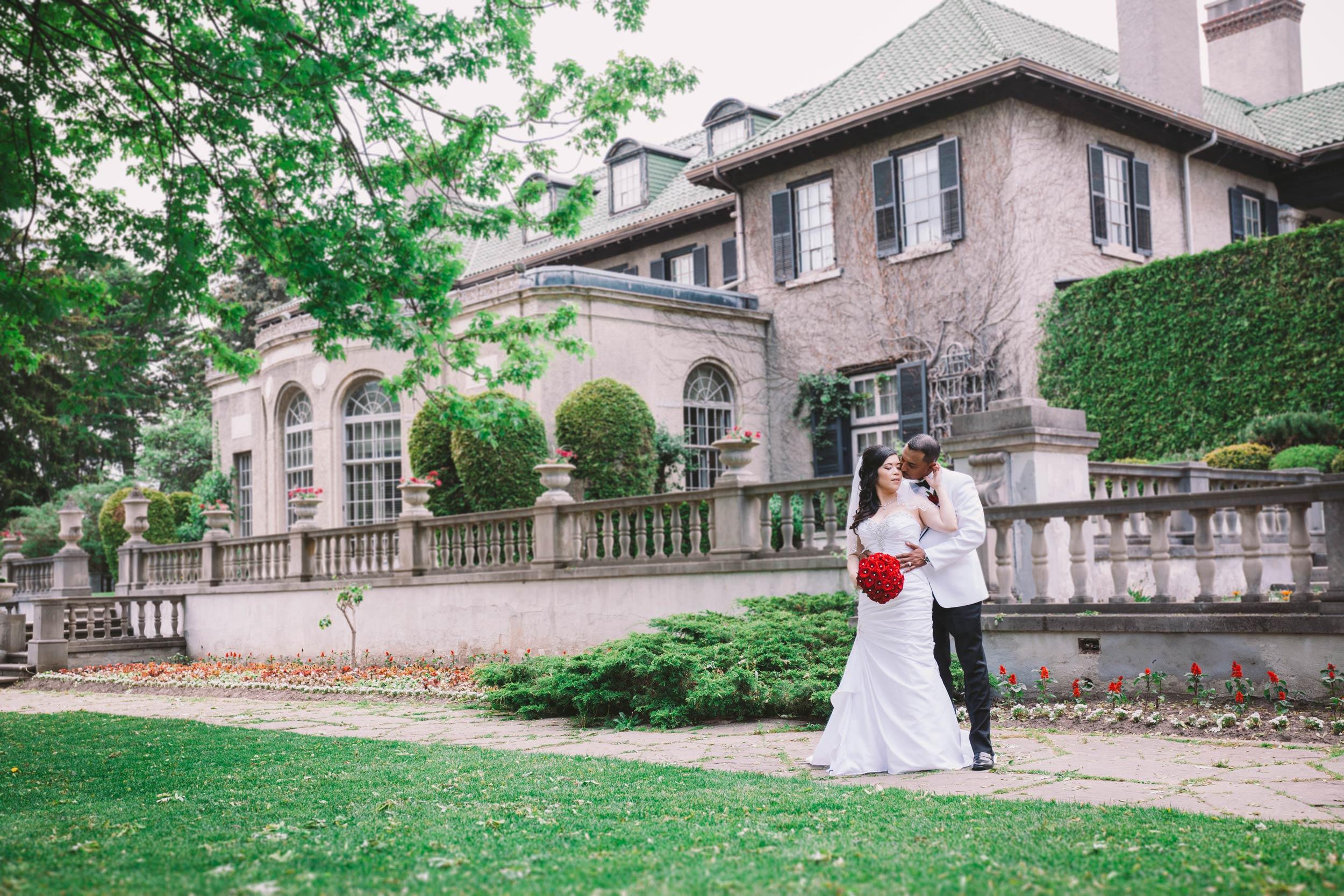 Wedding photography Parkwood Estate in Oshawa