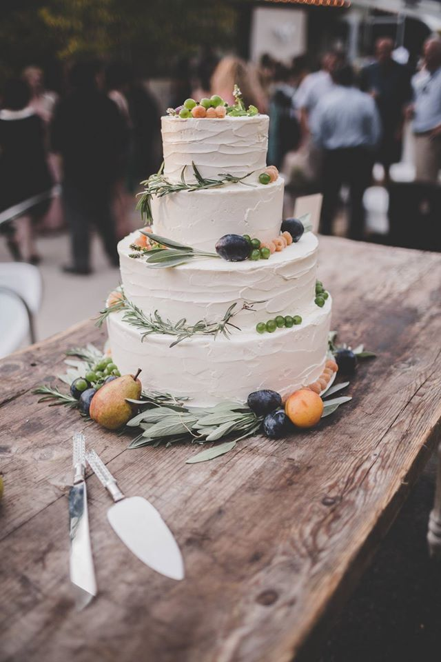 BATCH bakeshop wedding cake photo by Through Stories photography.jpg