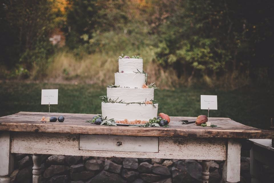 cda wedding cake poolside needs edit.jpg