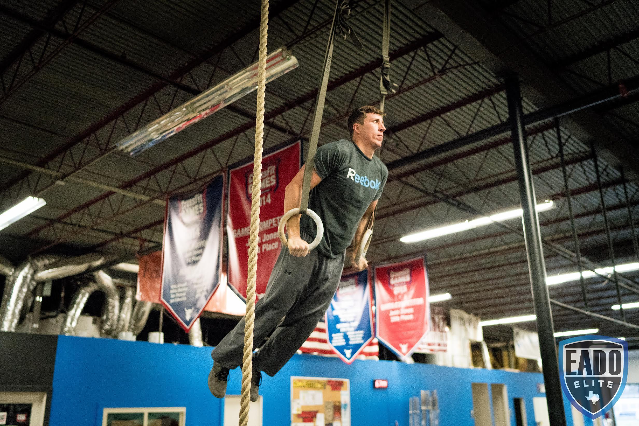 EaDo Elite Athlete Garrett Click performing muscleups  Photo Credit: Sierra Prime