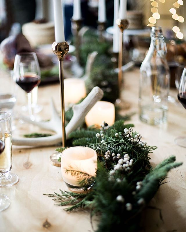 We're setting the table tomorrow night @moderncitizen 🥂 Join us for a fête to toast the season! December 14, 5-8pm 2070 Union Street, San Francisco.  Get tablescape inspiration for your own holiday party through the link in our bio from our feature with @advicefroma20something @theeverygirl_ • • • 📷 @andreapcreative