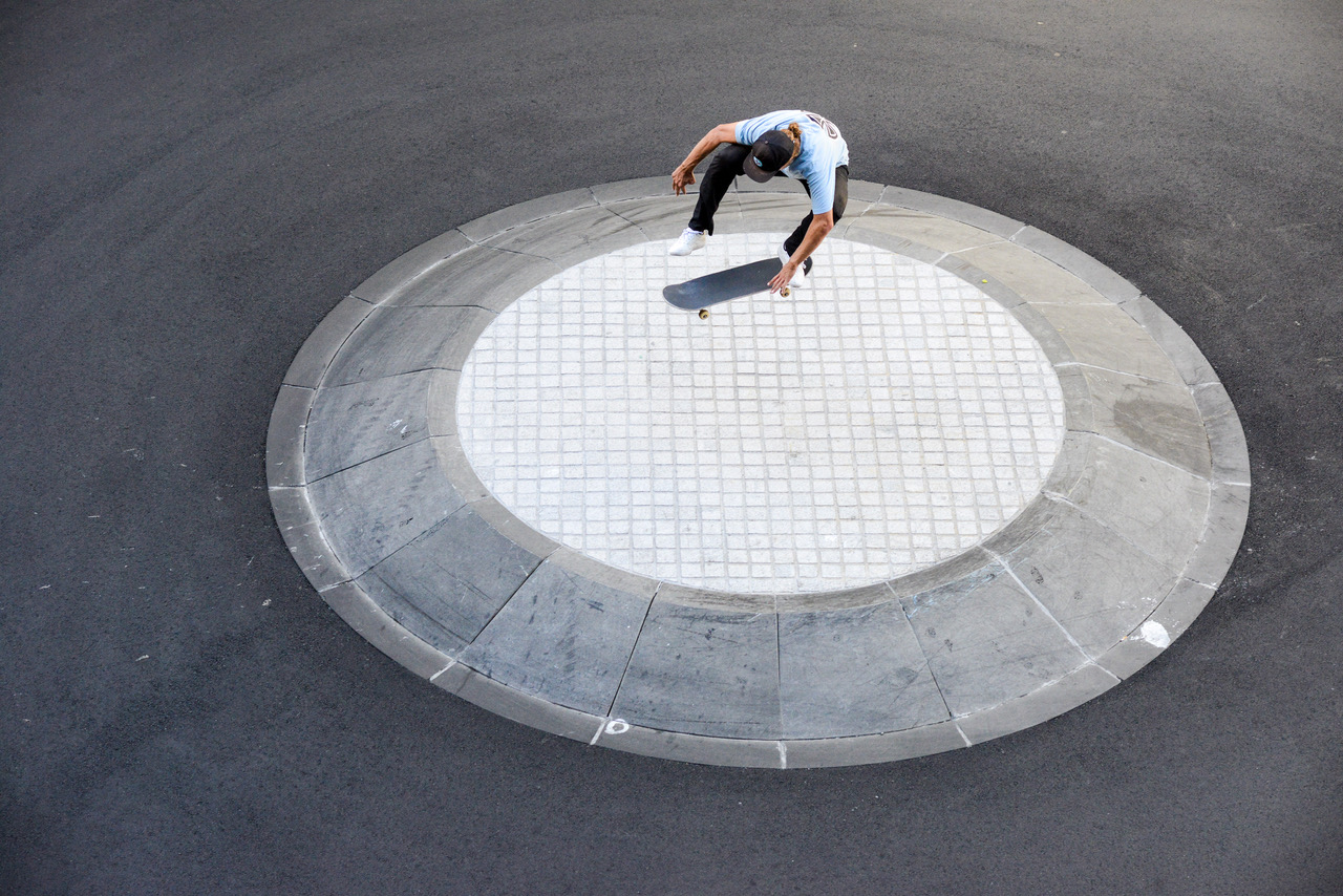 Ben Currie Kick Flip                                                                                                               Photo by Andrew Mapstone