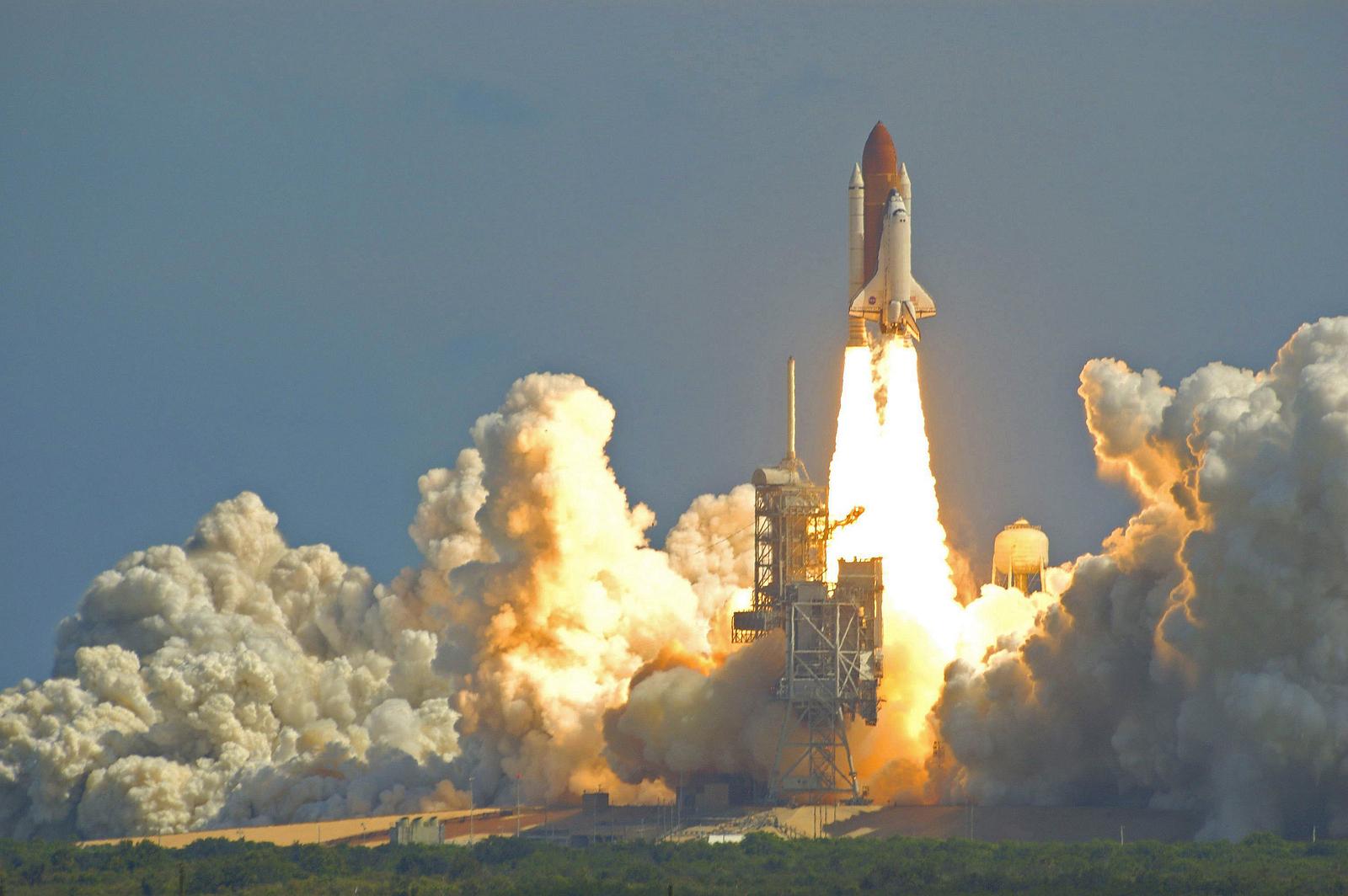 bigstock-Shuttle-Launch-2004538.jpg
