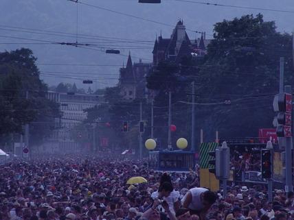 2003_Parade_0002.jpg