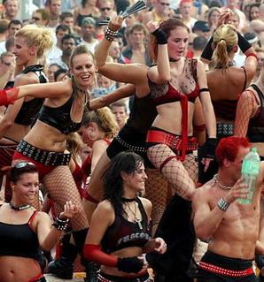 2003_Parade_0094.jpg