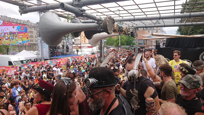 Streetparade_2019_Parade075.jpg