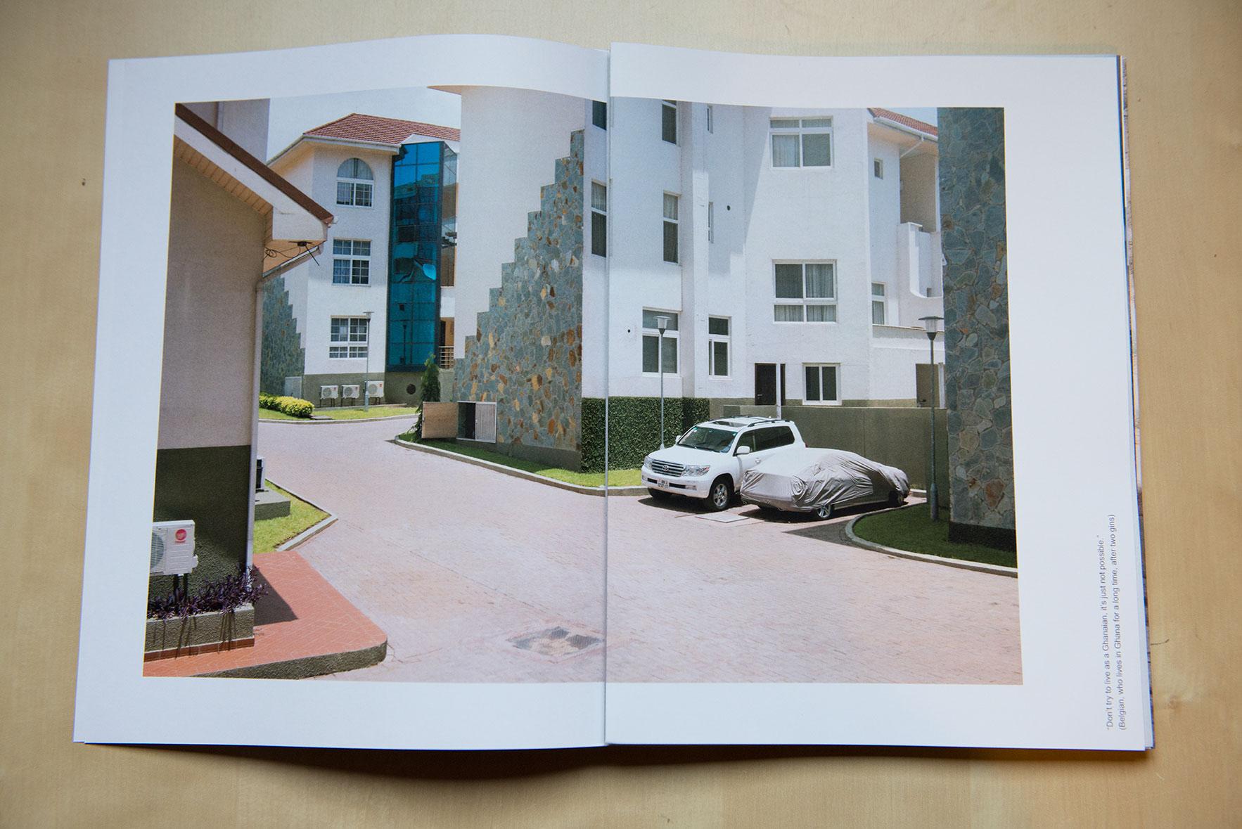 Bookpreview03 © TomasBachot.jpg