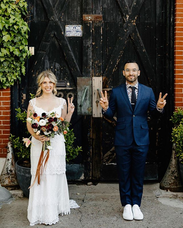Happy 2nd anniversary to my favorite @patfureyphoto. You're the best partner in crime a girl could ask for. Love you 😘 #itsalwayssunnyinfureydelphia 📷: @levkupermanweddings