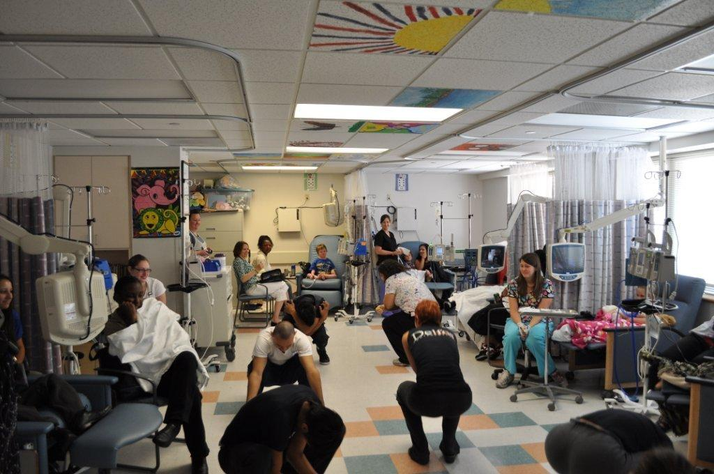 Delfos livens up the day for hospital patients receiving chemotherapy.Photo credit: Elizabeth Auer