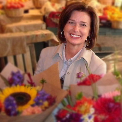 lynn-at-market-cropped.jpg