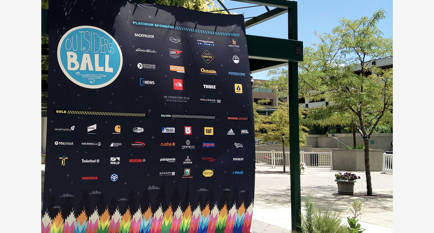 Outdoor nation event banners