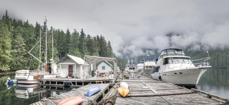 happy hour dock on the left