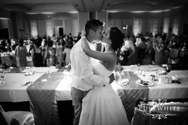 Delta_Burnaby_Hotel_Conference_Centre_Wedding_Reception009