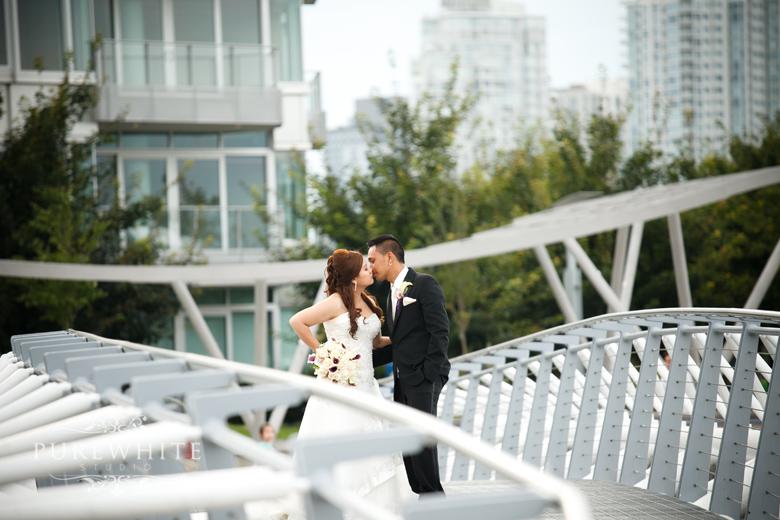 vancouver_false_creek_olympic_village_wedding009.jpg