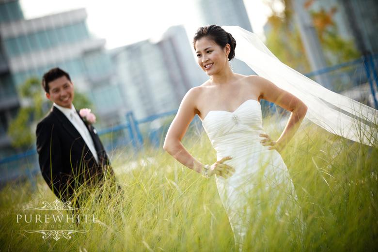 vancouver_false_creek_olympic_village_wedding010.jpg
