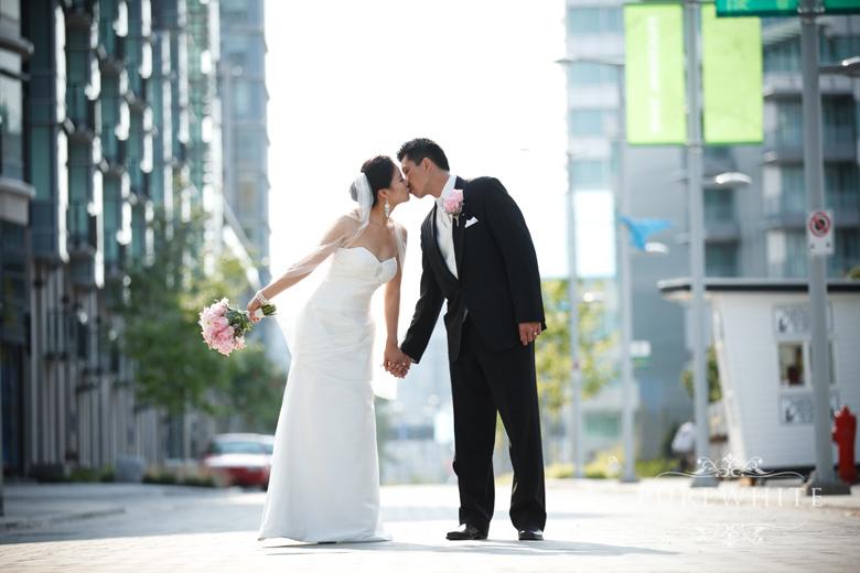 vancouver_false_creek_olympic_village_wedding006.jpg