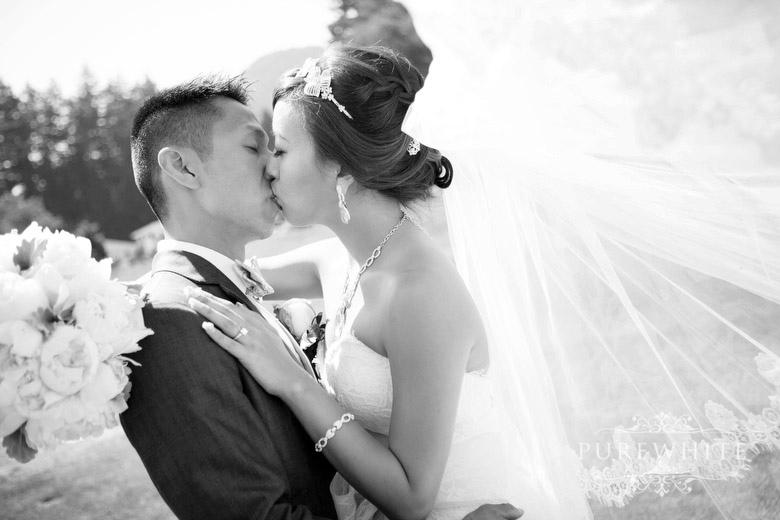 Rowenas_Inn_on_the_River_ceremony_reception_wedding043.jpg