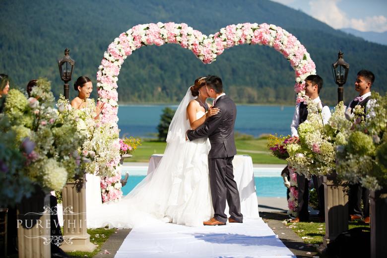 Rowenas_Inn_on_the_River_ceremony_reception_wedding059.jpg