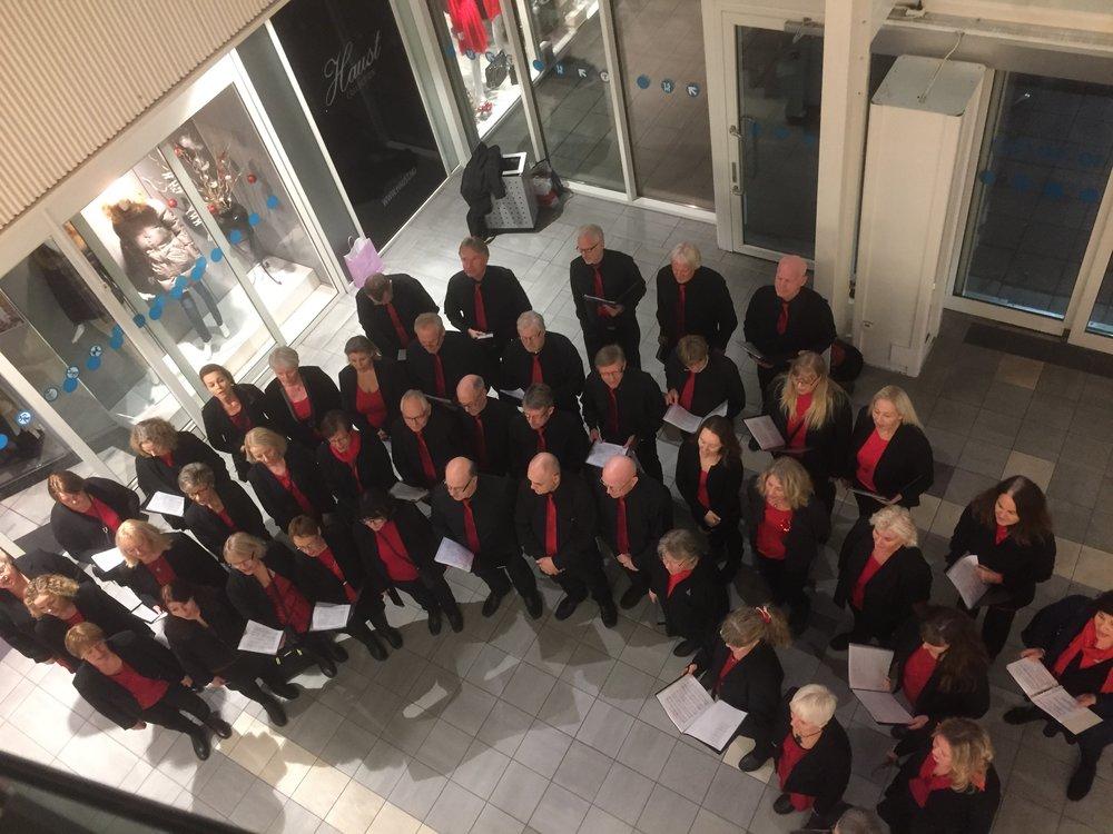 Dette bildet er hentet fra korets konsert på akkurat samme sted i desember 2017