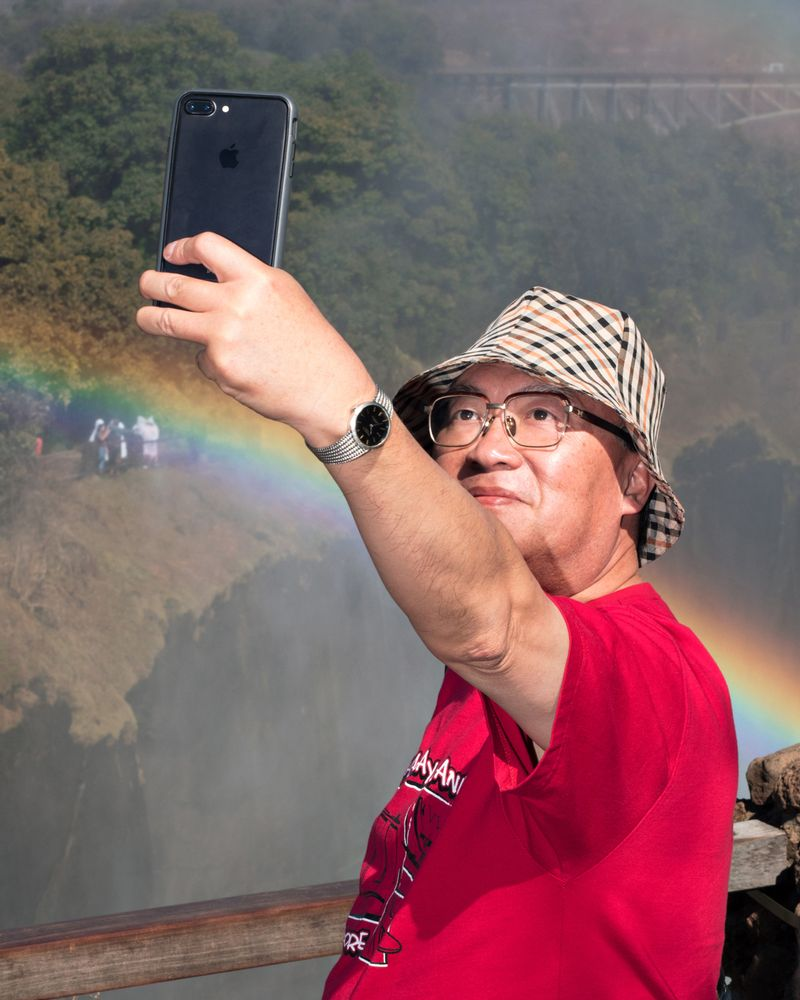 Brendon Kahn,  Rainbow Selfie