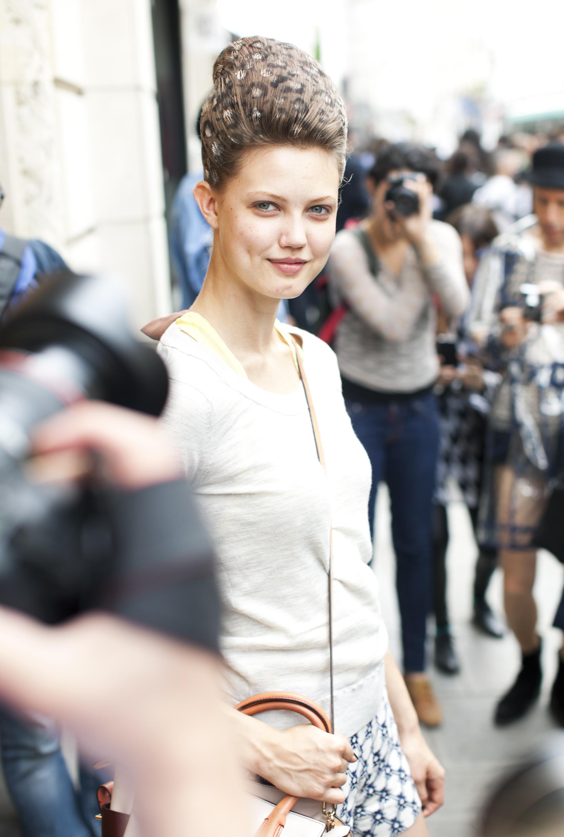 kathryn-wirsing-couture-week-streetstyle-17.jpg