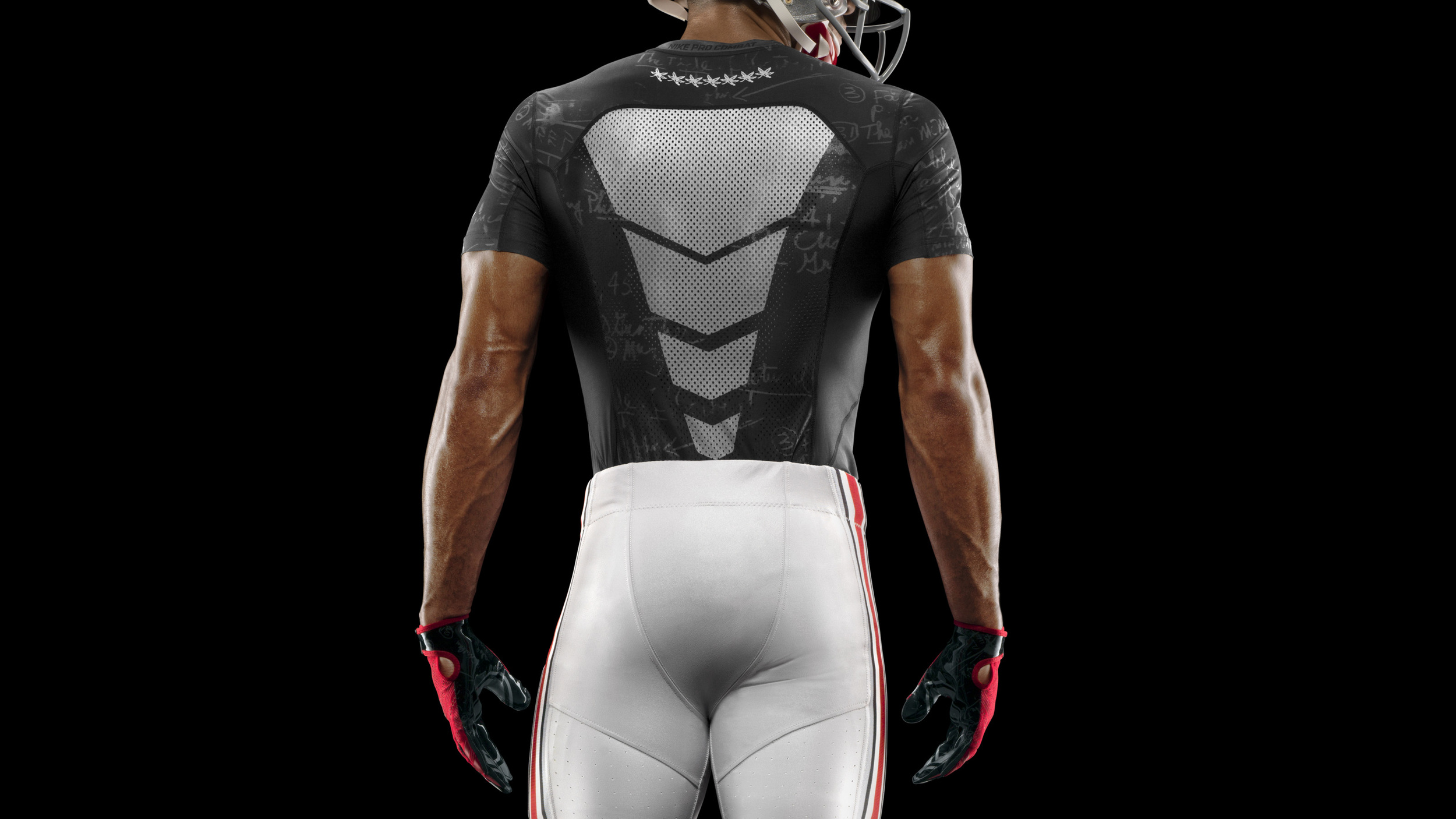 HO14_NFB_NCAA_Ohio_Baselayer_1076_crop_36402.jpg