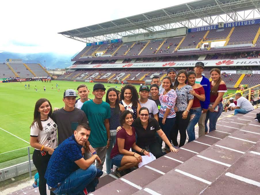 Al-estadio-con-buenas-notas---Liceo-de-Chacarita.jpg