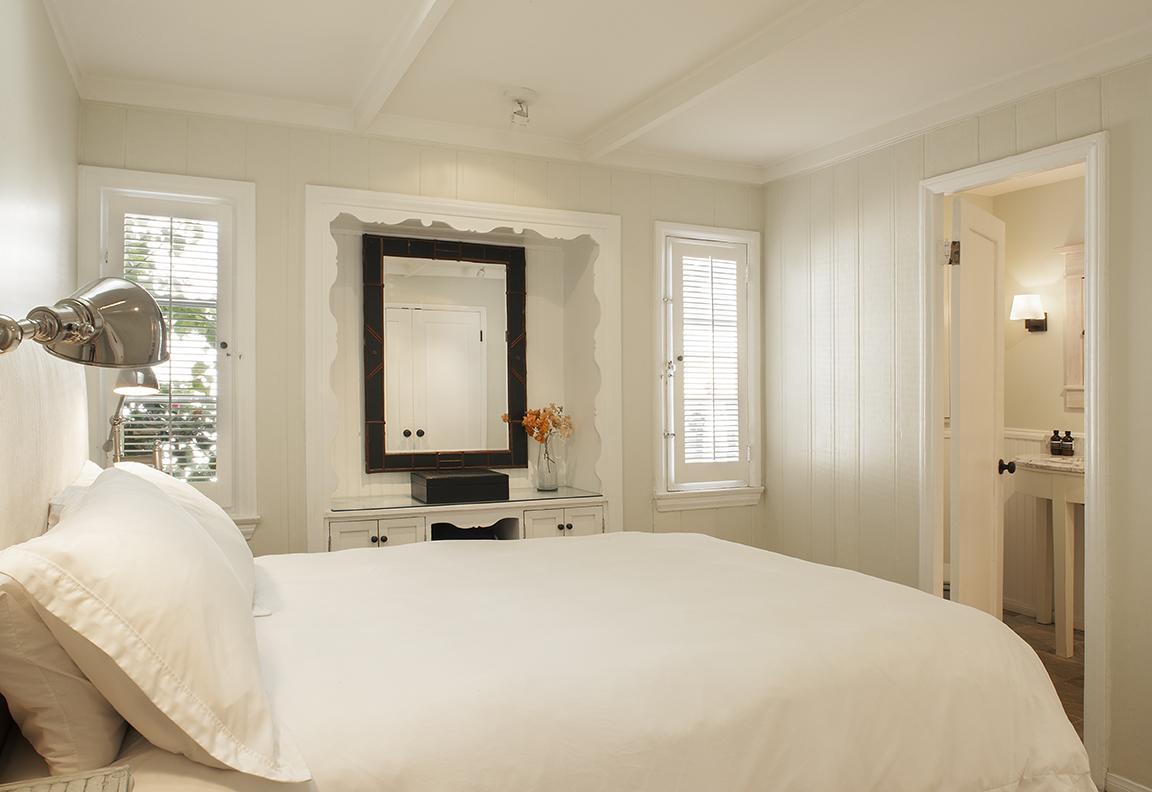 GuestHouseBedroomWeb.jpg