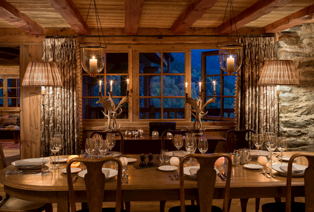 Chalet Hibou - DiningNight.jpg