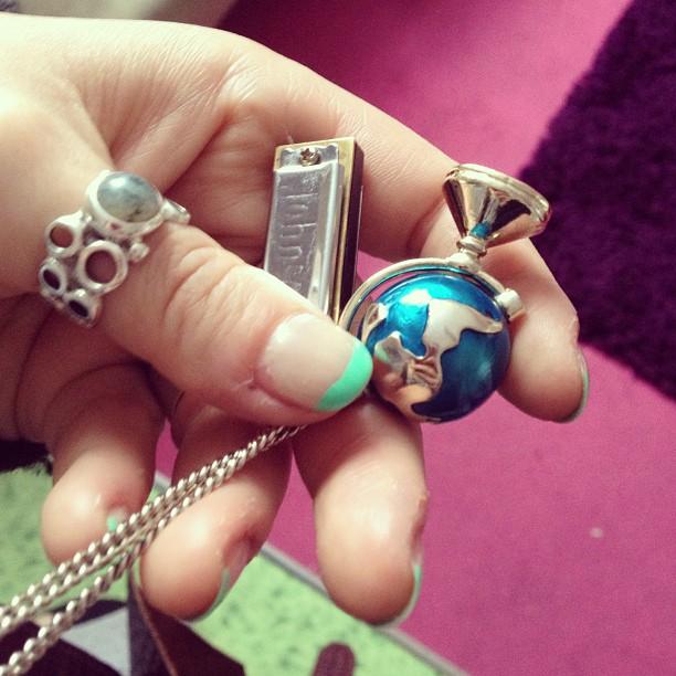 Adrienne - globes & jewellery & music & manicures