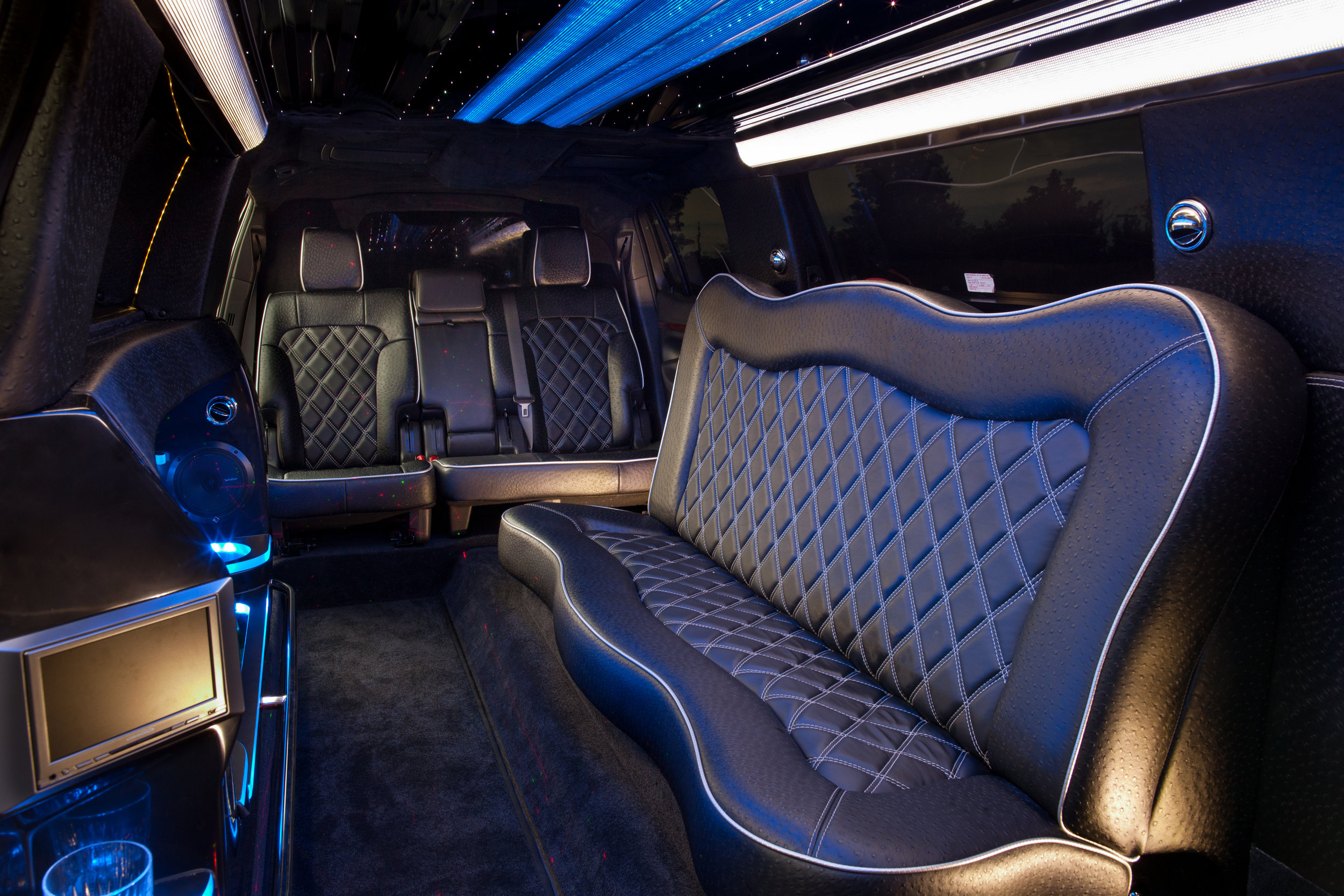 Stretch Limo Lincoln MKT – Kevin Smith Transportation Group