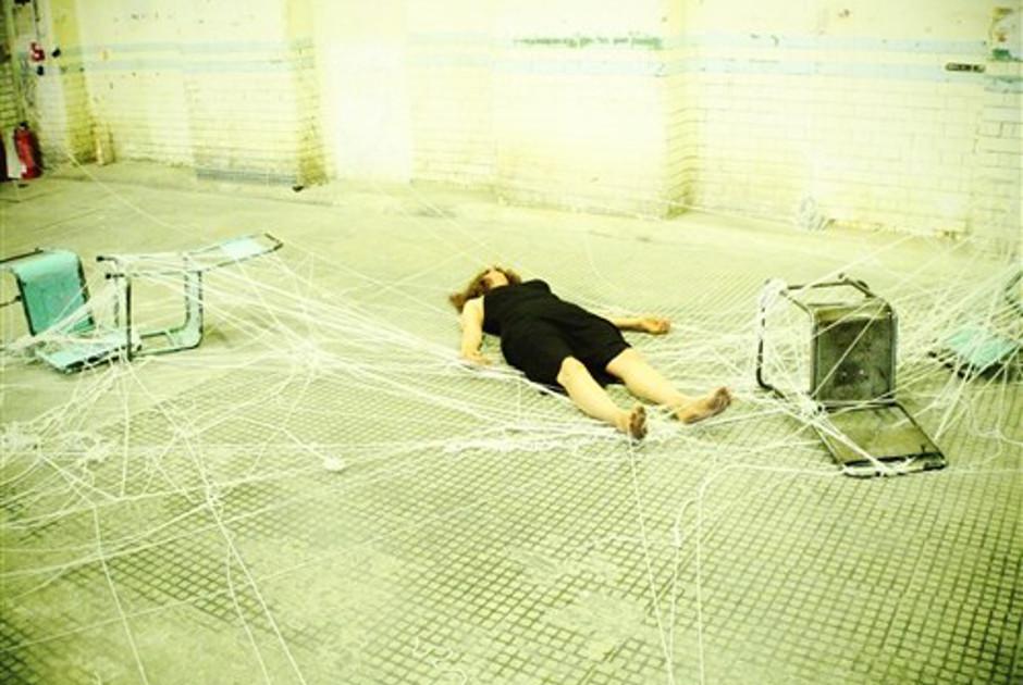 Eldi Dundee, String Asylum, 2012