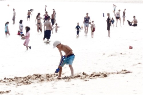 Jeremy Webb, Beach Figures 04b Wells, 2009