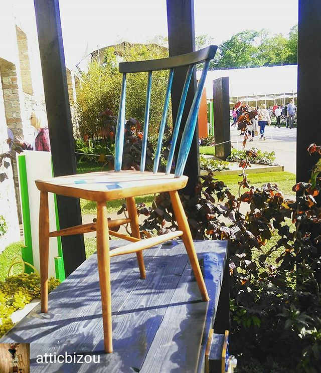 from @atticbizou -  Improvisation. #renovation #restoration #ombre #outdoorpaint #bloomfestival #bloominthepark #gardening #gardendesign #workbench #improvisation #sunandrain #waterproof #chair #Dublin #phoenixparkdublin - #regrann