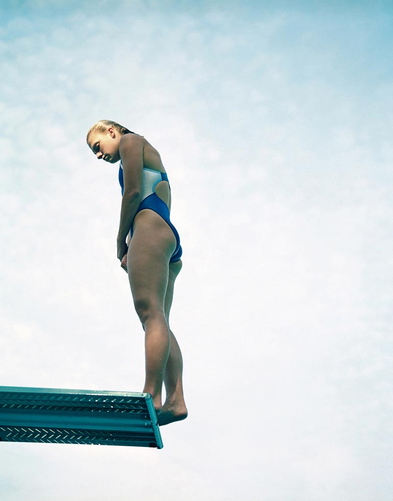 girl-diving-8a.jpg