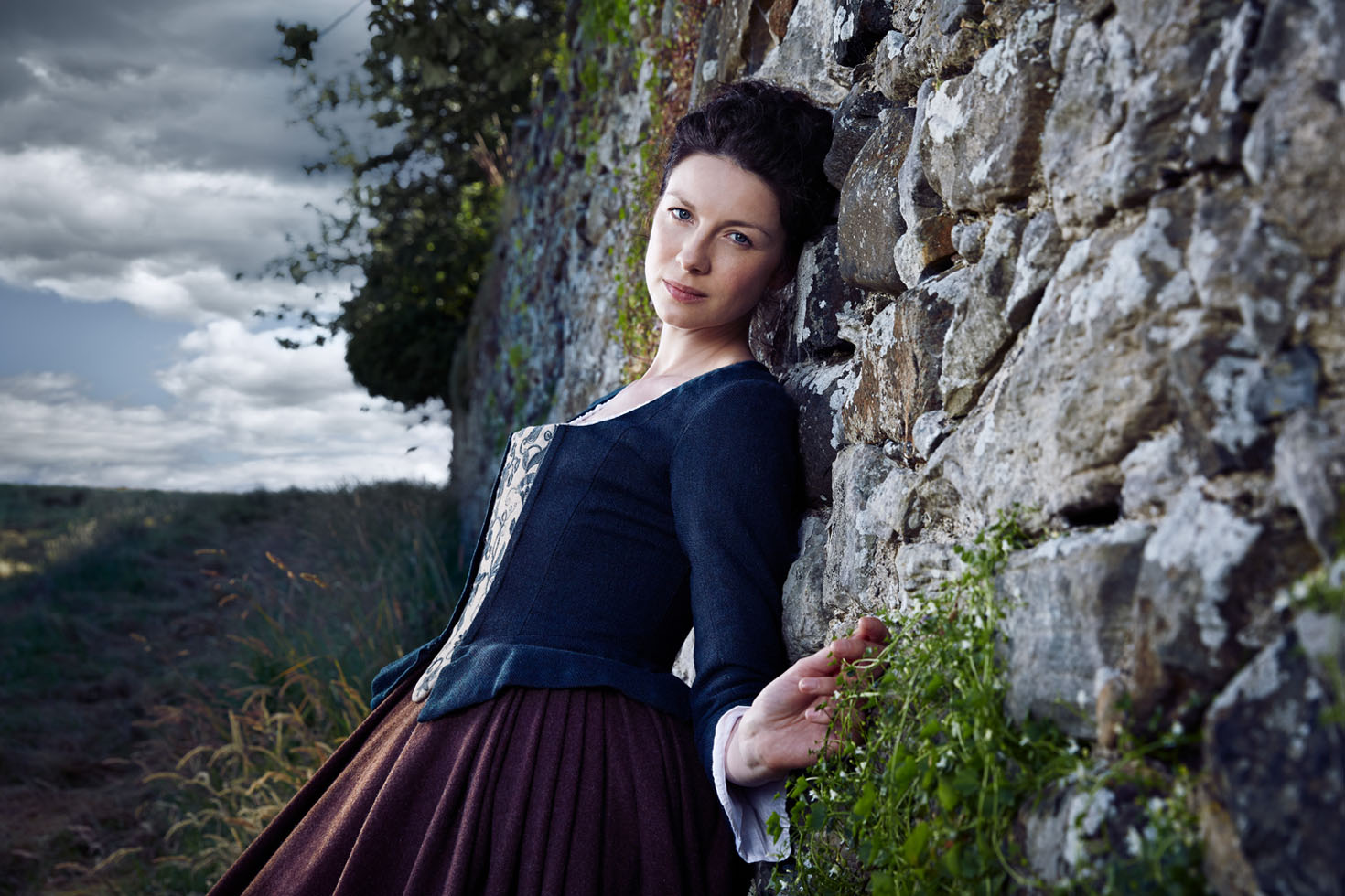 2014_07_09_TV_Guide_Outlander-Shot_1_123 2-6_Web.jpg