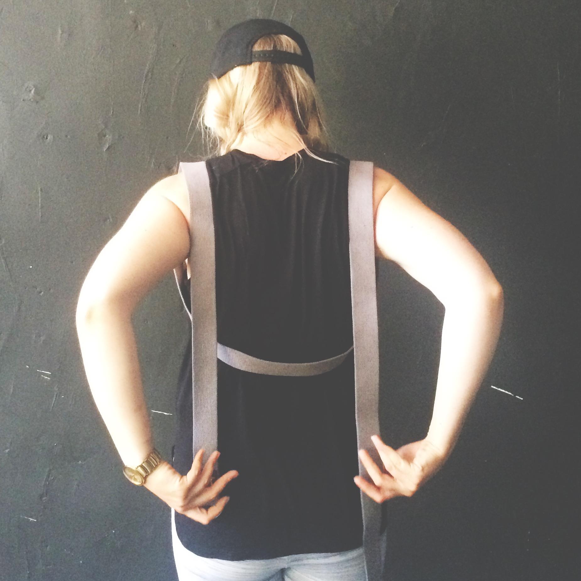yoga strap tricks shoulder bind 3