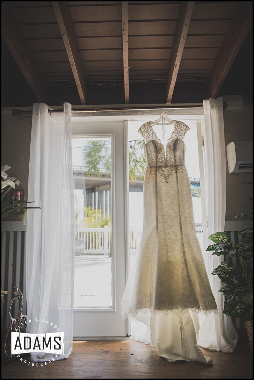 Oleg Cassini Wedding dress lace