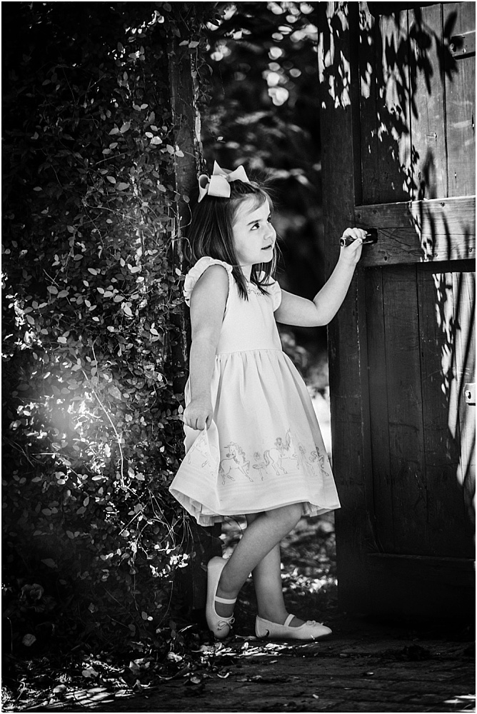 This melts my heart!  Black and white photos bring out such feeling and emotion! At every shoot we do, the black and white photos end up being our absolute favorites!