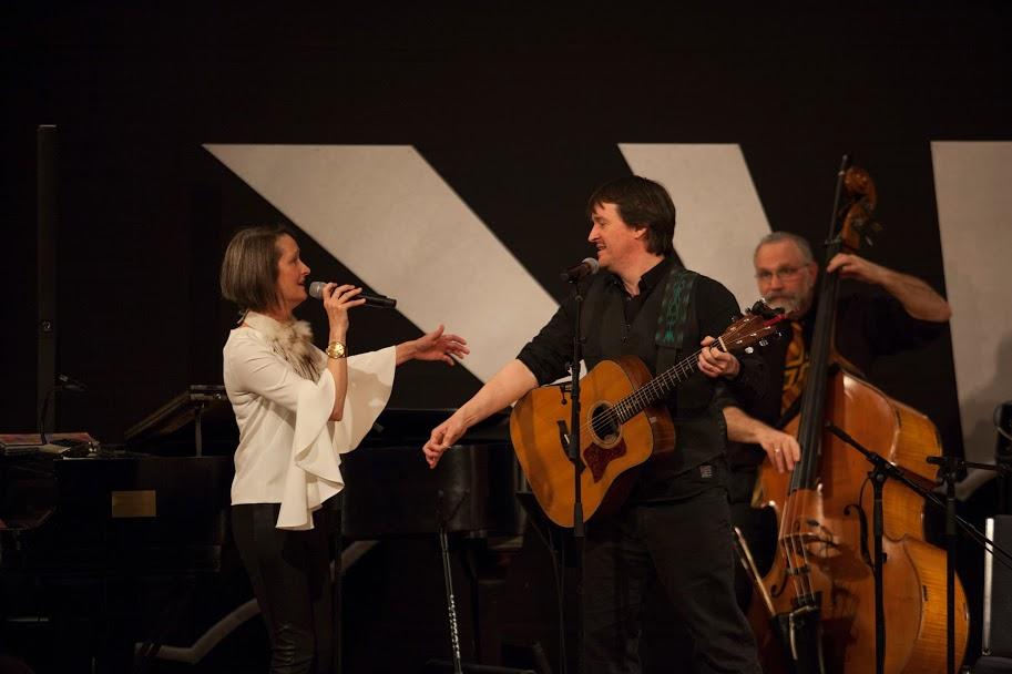 Irish singer/songwriter Owen Ó Súilleabháin with Virginia Schenck joining the Free Planet Radio performance at the Gladdening Light Symposium, Winter Park, Fl 2018