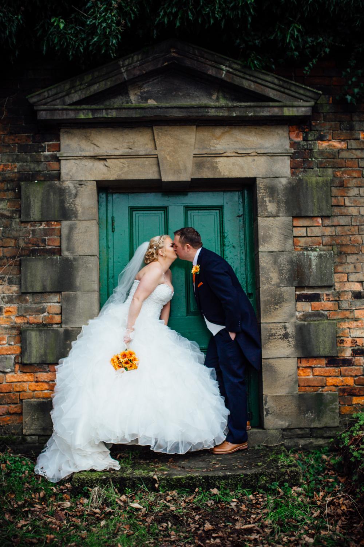 wortley hall sheffield wedding photographers (48).jpg