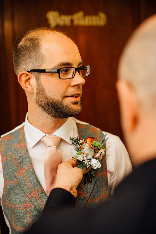 Ringwood Hall sheffield wedding photographers (14).jpg
